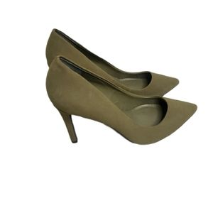Well love  Breckelles pump faux suede green size…
